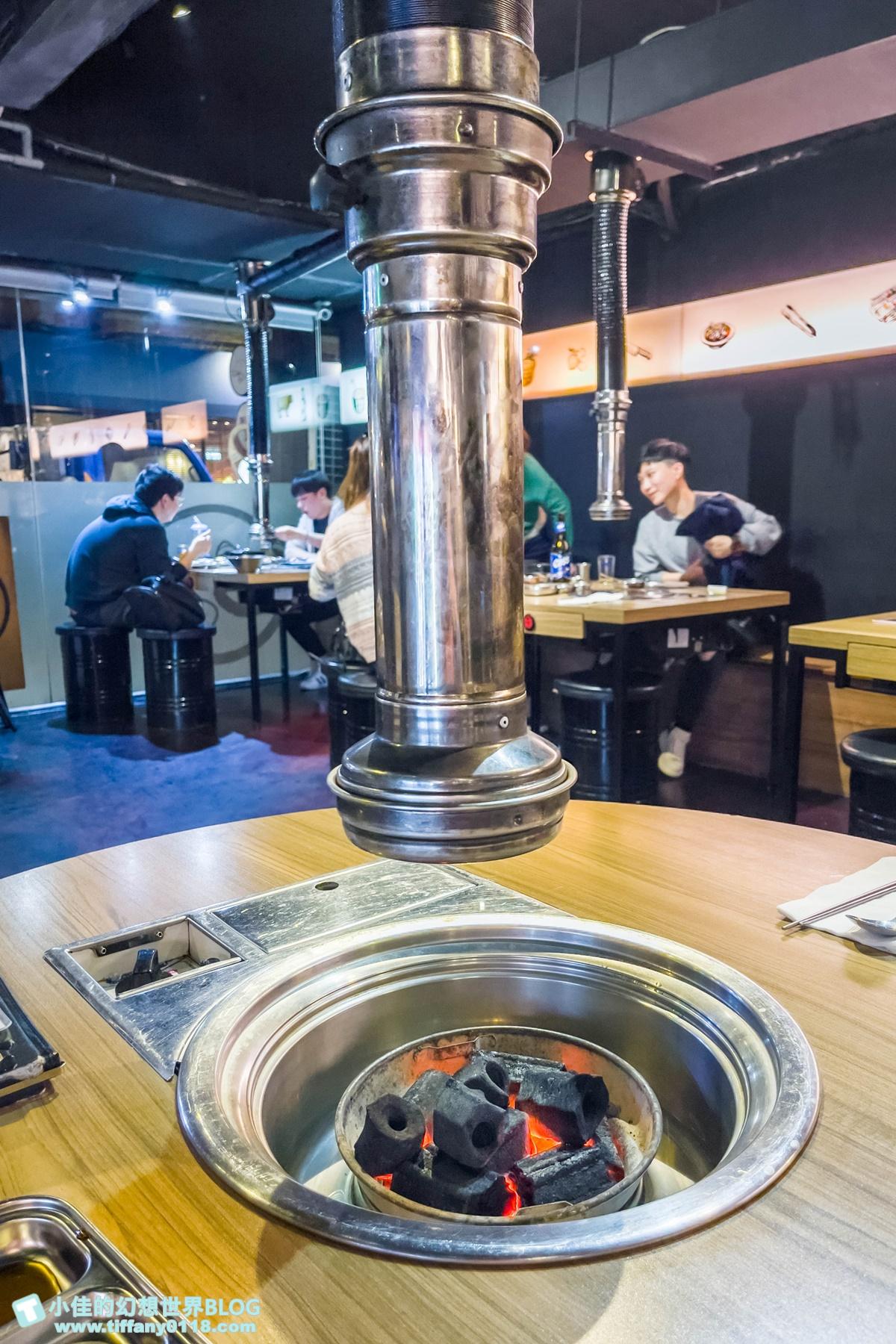 [台北美食]台韓民國韓式燒肉店/超特別鳳梨燒酒及各式韓式料理/專人桌邊代烤讓妳大口吃肉