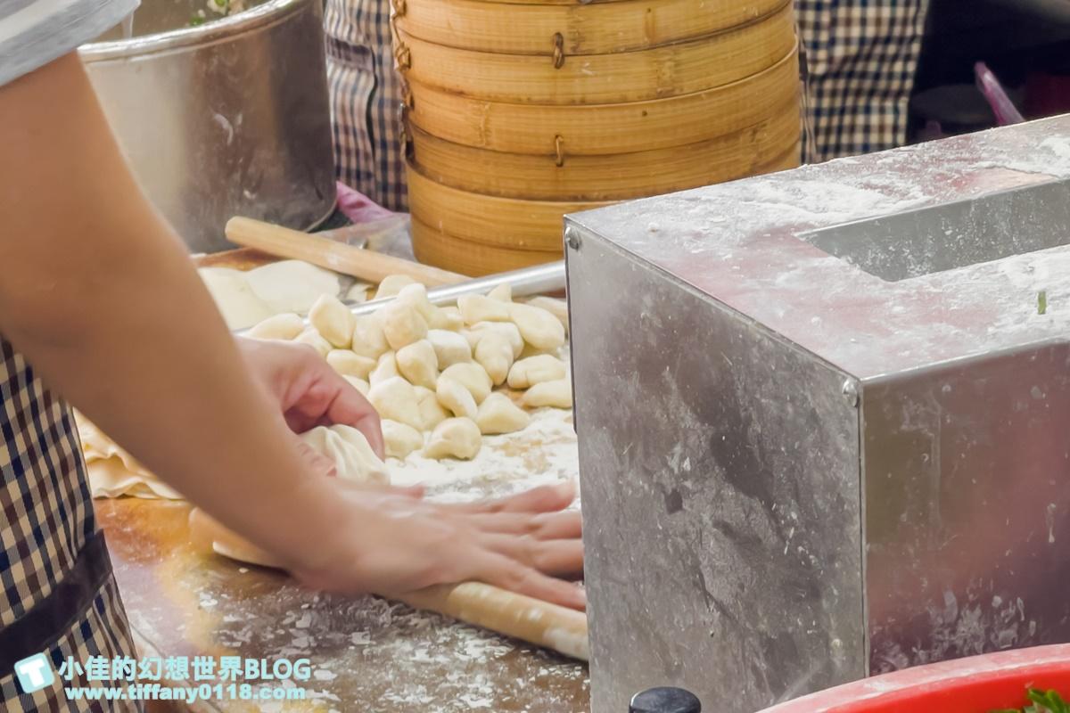 [宜蘭羅東美食]正常鮮肉小籠湯包/一顆8元皮薄餡多/三星蔥肉餡超香/現擀現包永遠大排長龍